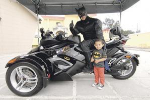 Allan Garro y Saúl Juárez, admiradores de Batman