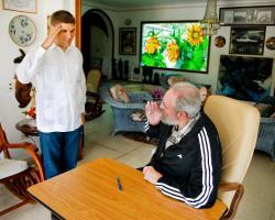 Castro emite su voto desde la casa debido a problemas de salud