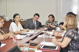 El Ministro de la Presidencia se reunió con la bancada del PAC, quienes le mostraron su apoyo y respaldo