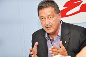 Víctor Morales Zapata explica por qué para él Ottón Solís es un cínico