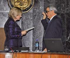 Zarela Villanueva, presidenta de la Corte Suprema de Justicia, juramentó ayer a quien será su mano derecha durante los próximos dos años, José Manuel Arroyo Gutiérrez, reelecto vicepresidente