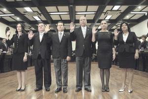El Directorio legislativo fue juramentado en una sesión solemne