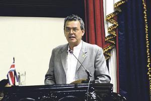 Édgar Gutiérrez, ministro de Ambiente, espera que en el corto plazo la distribución y suministro de gas de cocina se normalice
