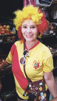 Rocío Madrigal anduvo por el mercado bien identificada