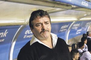 Óscar Ramírez pudo haber dirigido el sábado su último partido al frente de la Liga. (Foto: David Barrantes)