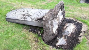 La tumba de la suegra acabó con la vida de un hombre