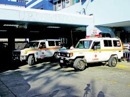 El hombre fue trasladado en un carro particular al Hospital Tony Facio