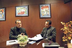 Víctor Julio Valverde, presidente de la Junta de Pensiones del Magisterio Nacional y su director ejecutivo Róger Porras