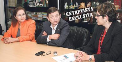 Jorge Hidalgo conversó con Iary Gómez, gerente de Medios del Grupo Extra, y Paola Hernández, directora de DIARIO EXTRA