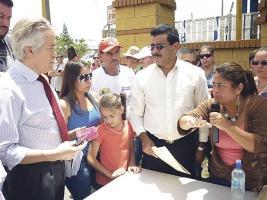 Los vecinos encararon a Bernal Jiménez y al alcalde de El Guarco, Víctor Arias, por trabajar sin permisos