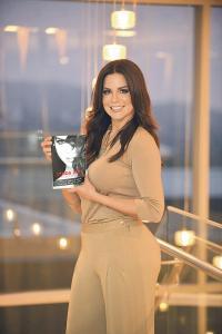 """La modelo presentó su libro """"Lynda Díaz: La verdad de mi vida"""""""