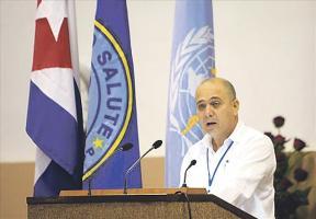 Cuba es el primer país en eliminar la transmisión del VIH de madre a hijo. Roberto Morales, ministro cubano de Salud Pública. EFE/Archivo