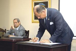 El presidente Solís insiste en que aunque firmó la declaratoria, ya todos los procesos están coordinados y las entidades trabajan para restaurar la normalidad