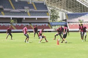 El Monstruo se entrenó ayer en el Estadio Nacional con la consigna clara de derrotar a Boca mañana por la noche