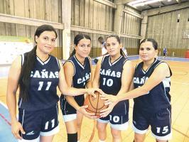 Kathia, Cheydi, Ilse y Jazmín son las hermanas Milanés Espinoza que representan a Cañas en el maxibaloncesto