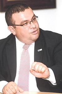 Fernando Rodríguez, viceministro de Ingresos, dice que exonerar las pensiones pone en una posición complicada la situación del país