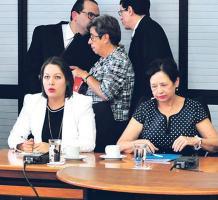 Elizabeth Fonseca sería inhabilitada por 4 años para ocupar cargos públicos y los legisladores recomiendan una sanción para Zúñiga