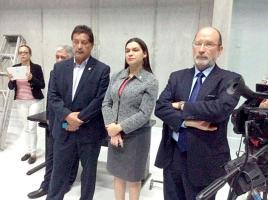 Diputados recorrieron las instalaciones acompañados por el rector Henning Jensen