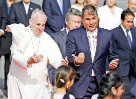 Cerca de 500 ticos viajaron a Ecuador para ver al papa Francisco, quien realiza su segundo viaja a América Latina