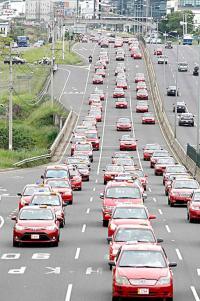Tras la protesta efectuada por el Foro Nacional de Taxistas, se presentó un planteamiento tarifario a la Aresep