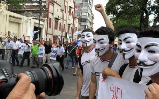 Paraguay prohíbe pancartas sobre aborto, gais y campesinos en la visita papal Organizaciones campesinas, indígenas, de trabajadores y estudiantes han anunciado movilizaciones coincidiendo con la visit