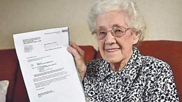 Sonriente se mostró Doris Ayling con la equivocación