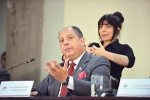 El PLN acusa al presidente Solís de agredirlos con constantes insultos