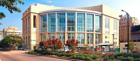 La acusación fue presentada ante el Tribunal del Distrito Este de Virginia en los Estados Unidos