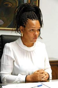 Ann Mc Kinley, presidenta de Japdeva, expresó que el incremento del gasto involucra la compra de dos grúas pórticas y un remolcador