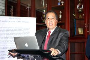 Fernando Alvarado, empresario y representante del grupo Sendero Azul, espera que los accionistas y socios apoyen su propuesta. (Foto: Juan Carlos Rubí)