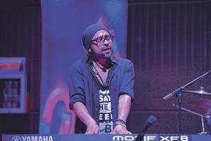 Sandoval cantó sus mejores temas en show case en Jazz Café