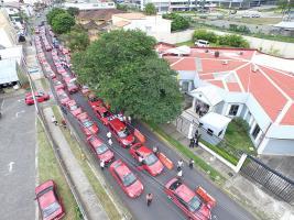 Los taxistas llegaron a la sede diplomática de Colombia en C.R. y dejaron un documento en apoyo a sus colegas cafeteros