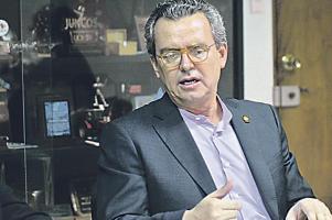 Al ministro Édgar Gutiérrez lo llamaron a comparecer ante la comisión que estudia los asuntos ambientales