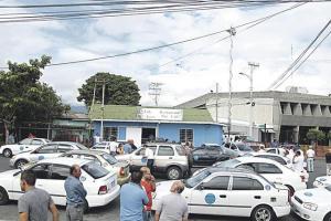 Los seetaxi volverán a las calles en protesta contra el gobierno por no cumplir el acuerdo