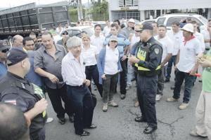 Los seetaxis estudiarán el documento que les dio el gobierno y se quedaron sin Byron Marcos; el nuevo presidente de la Cámara será Carlos González