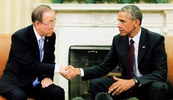 El presidente Barack Obama estrechó la mano del secretario general de la ONU, Ban Ki-moon, en la Casa Blanca