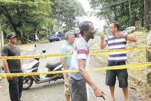 Pescadores artesanales no saben qué hacer luego de que la policía les pusiera una cinta para que no ingresen al muelle