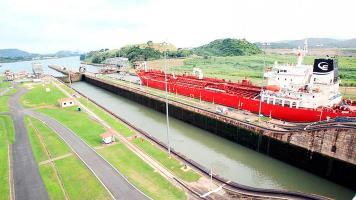Por esta vía acuática transita el 6 % del comercio marítimo mundial