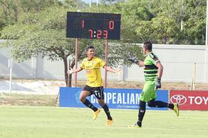 Irving Huertas guió la victoria liberiana. El atacante abrió el marcador ante Santos, se adornó con doblete. (Foto: Isaac Villalta)