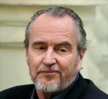 Muere Wes Craven, un maestro del cine de terror En la imagen, el cineasta estadounidense Wes Craven, creador de míticas series de terror como