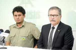 Mauricio Esteler, vecino de Golfito, fue condenado el 28 de agosto a 12 años de cárcel por dispararle a un cazador furtivo. A su lado Juan Diego Castro, quien asumirá su defensa