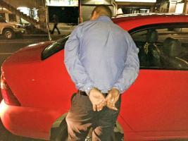 Detuvieron a un mexicano mientras viajaba en un taxi con más de ¢8 millones