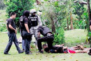 Trasladaron a los sospechosos al Ministerio Público