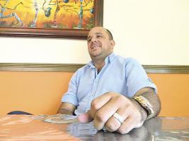 Ernesto Arceyut visitó DIARIO EXTRA