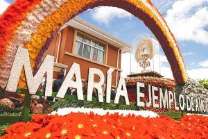 Un arcoíris estará alrededor de la Virgen de los Ángeles en la carroza que le prepararon los habitantes de Tucurrique en su regreso a la Basílica