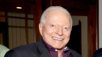 Llegan a Panamá los restos de expresidente Eric Delvalle, fallecido en EE.UU.