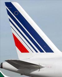 Trabajadores de Air France agredieron a directivos cuando anunciaban despidos En la imagen, ala de un avión de la compañía Air France. EFE/Archivo