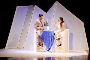 La puesta en escena está a cargo de Madelaine Martínez y cuenta con las actuaciones de Karina Mora y Melvin Jiménez