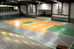 Este es el gimnasio del Colegio Rodrigo Hernández en Barva