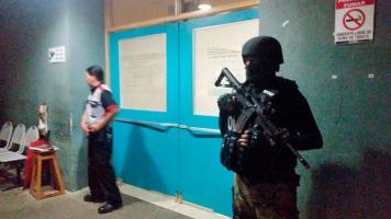 """La sala de observación del hospital de Alajuela, donde pasó """"El Indio"""" algunas horas, estuvo fuertemente custodiada"""